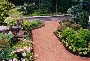 Landscape Design: Sudbury Design Group, Project Location: Lexington, MA., Built: 2001